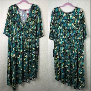 Avenue Abstract Size 22/24 Dress